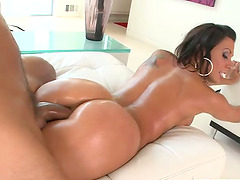 Rachel Starr Gets Her Bubble Butt Oiled Up Before Blowjob and Sex