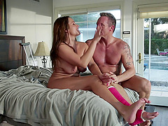Pornstar with broken leg fucked are