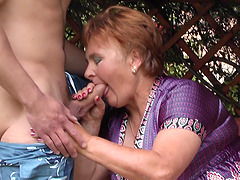 Lawn guy eats out her hairy mature pussy and fucks her