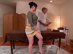 Japanese girl returns the favor by sucking the masseur's schlong