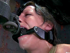 Tying up Elise's mesmerizing body in elaborate BDSM techniques