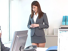 Looks like Aya Kisaki doesn't mind getting drilled in the office!