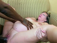Pregnant housewife rides the black dick like there's no tomorrow