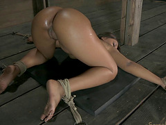 Chocolate beauty's hole drilled hardcore by her kinky man