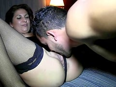 Swingers Clara y Larry's fucking ends with a sticky facial