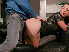 Brunette MILF Teressa Bizarre pounded missionary in leather boots