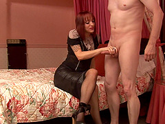 Wide Paige Fox turns on her hubby with a BJ and spreads her legs